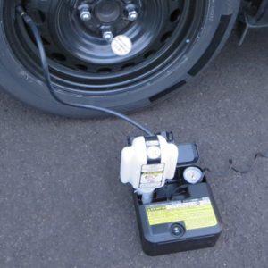 タイヤパンク応急修理キット